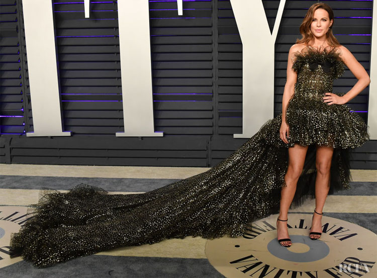 Kate Beckinsale In Giambattista Valli Haute Couture - 2019 Vanity Fair Oscar Party