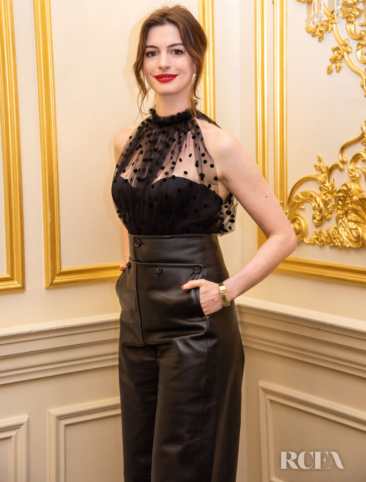 Anne Hathaway Promote 'The Hustle' In All Black No.21 & Marni
