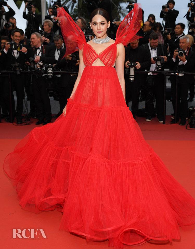 https://www.redcarpet-fashionawards.com/wp-content/uploads/2019/05/Araya-A-Hargate-In-Jean-Paul-Gaultier-Haute-Couture-%E2%80%98Pain-And-Glory-Dolor-Y-Gloria-Douleur-Et-Glorie%E2%80%99-Cannes-Film-Festival-Premiere.jpg