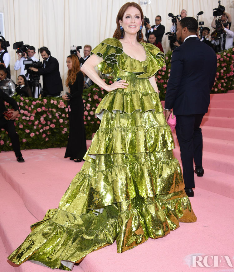 Julianne Moore In Valentino Haute Couture - 2019 Met Gala