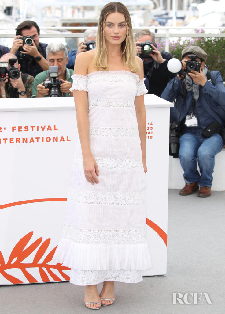 Margot Robbie In Chanel - 'Once Upon A Time In Hollywood' Cannes Film Festival Photocall