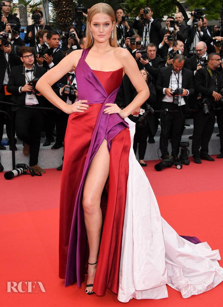 Toni Garrn In Ralph & Russo Couture - 'Les Plus Belles Annees D'Une Vie' Cannes Film Festival Premiere