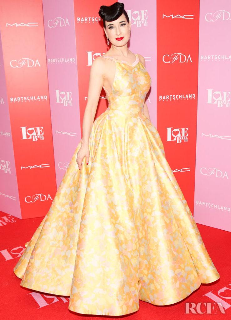 Dita Von Teese Red Carpet Fashion Awards