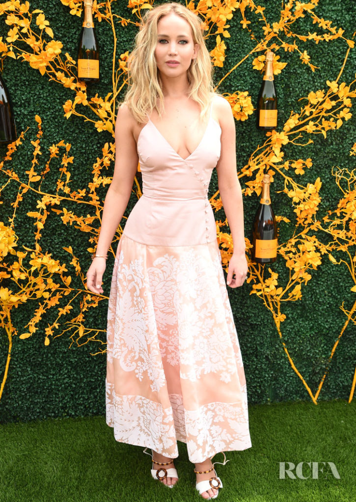 Jennifer Lawrence Was Pretty In Pink For The Veuve ...
