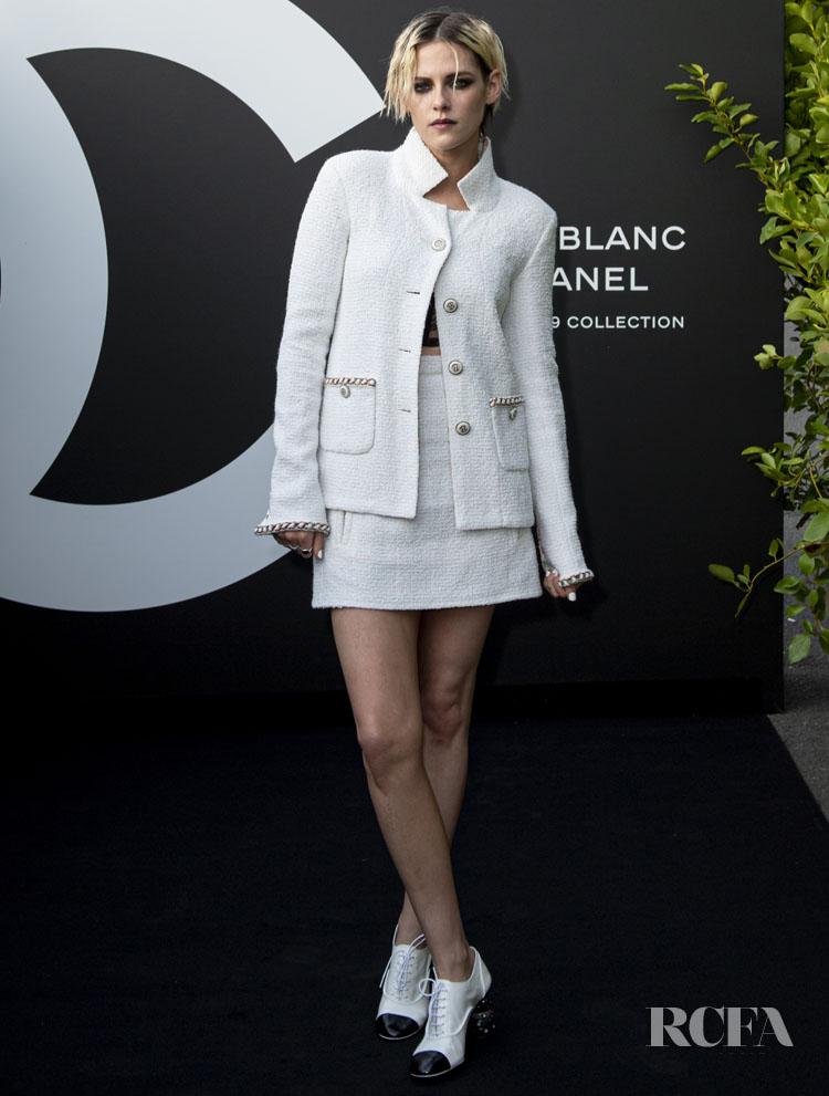 Kristen Stewart Noir Et Blanc De Chanel - Fall-Winter 2019 Makeup Collection