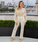 Margot Robbie's Casual '60s Elegance For The 'Once Upon A Time In Hollywood' London Photocall