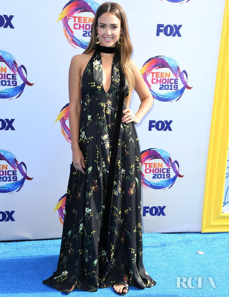Jessica Alba In Oscar de la Renta - 2019 Teen Choice Awards