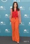 Juliette Binoche's Colour-Blocks Her Way Into The 'La Vérité' Venice Film Festival Photocall