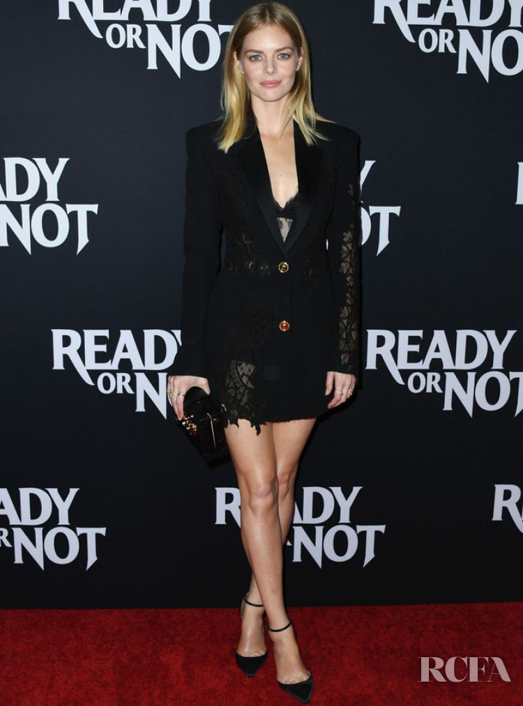 Samara Weaving Smolders In Versace For The 'Ready Or Not' LA Screening