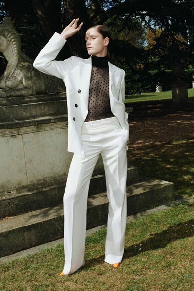 Russell Smith Ford >> The Beckhams In Tom Ford & Victoria Beckham - GQ Men Of ...