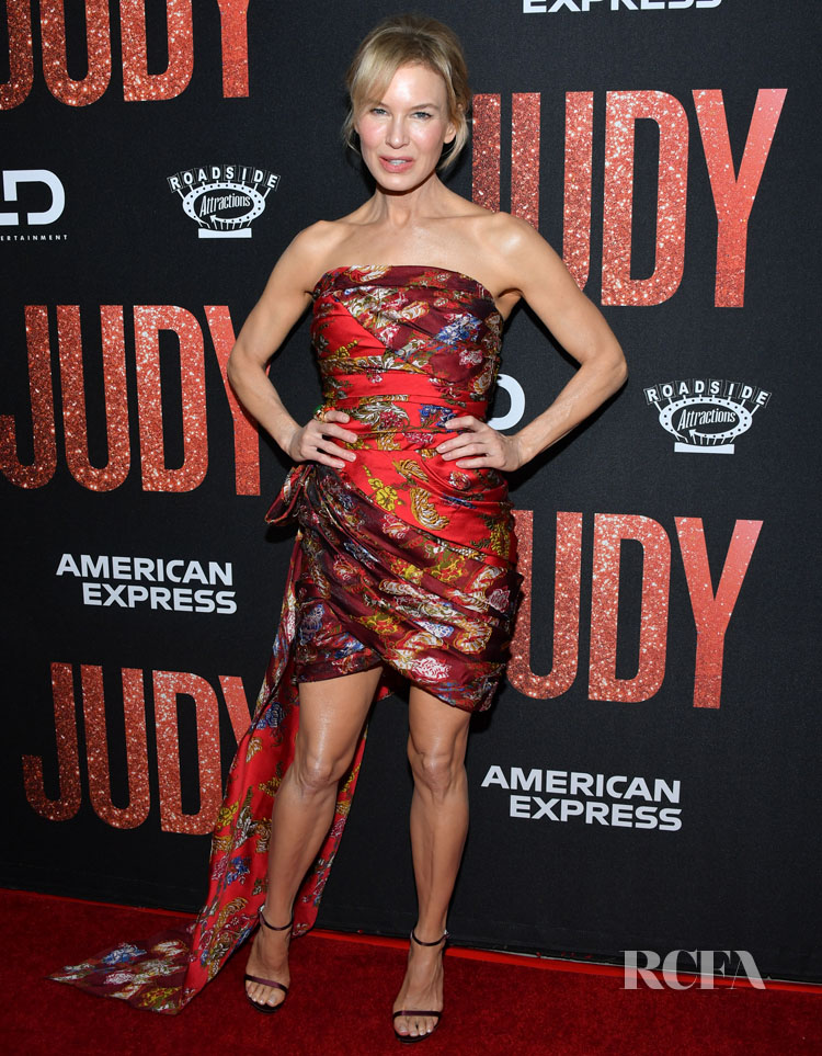 Renee Zellweger's Oscar de al Renta Autumnal Reds For The 'Judy' LA Premiere