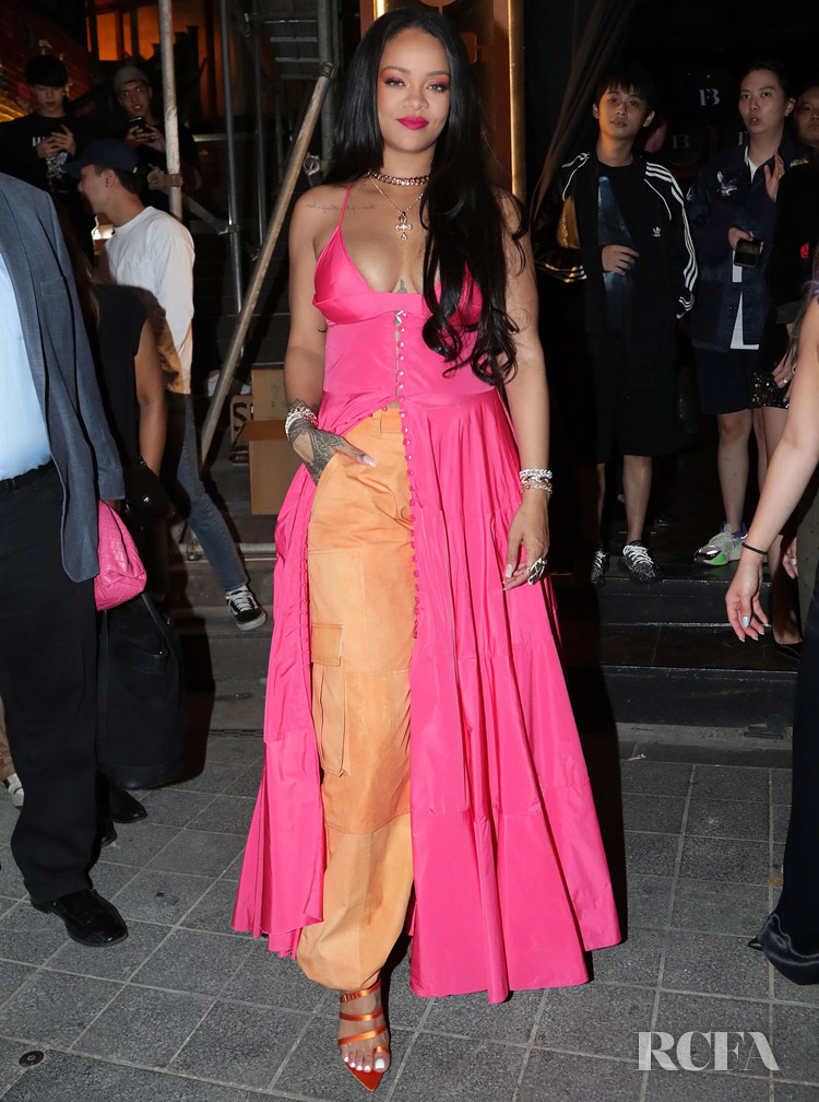 Rihanna's Kick Starts The Hot Pink & Orange Highlighter Trend In Seoul