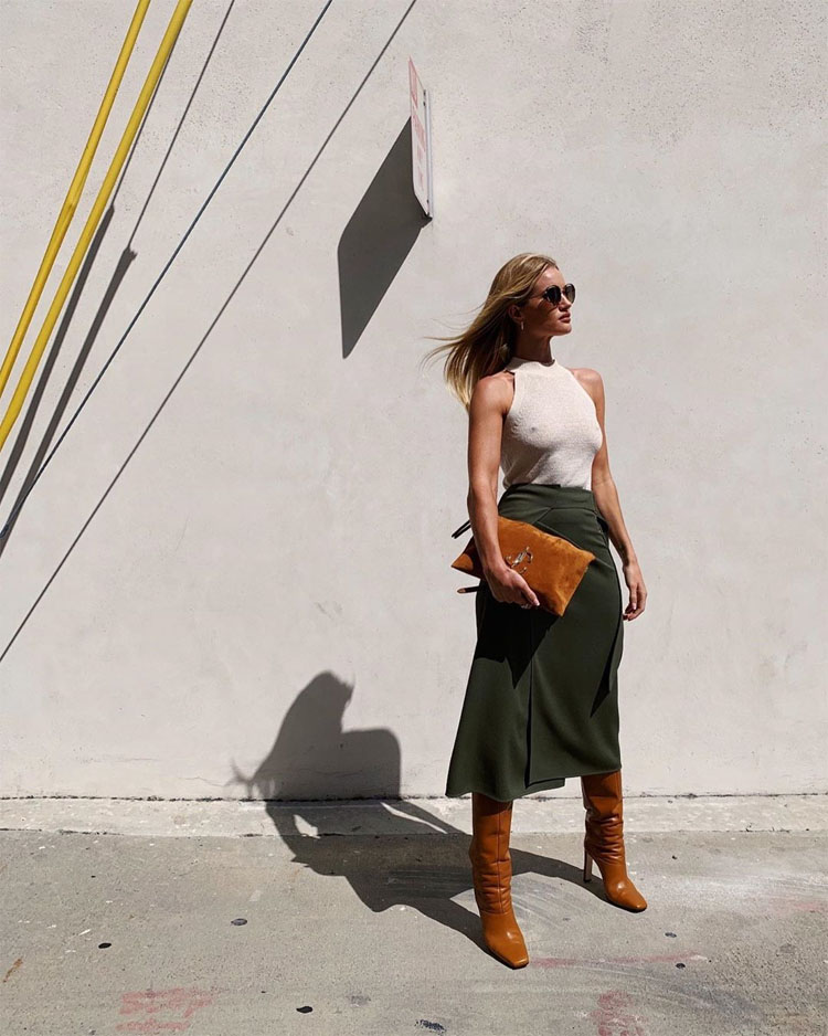 Rosie Huntington-Whiteley Showcases Her Transeasonal Style For The Gram