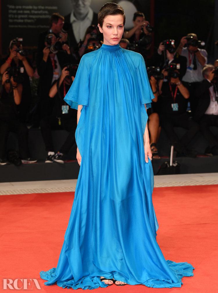 Sylvia Hoeks In Alberta Ferretti - Filming In Italy Ceremony