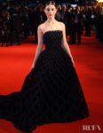 Thomasin McKenzie Has A Princess Moment In Oscar de la Renta For 'The King' London Film Festival Premiere