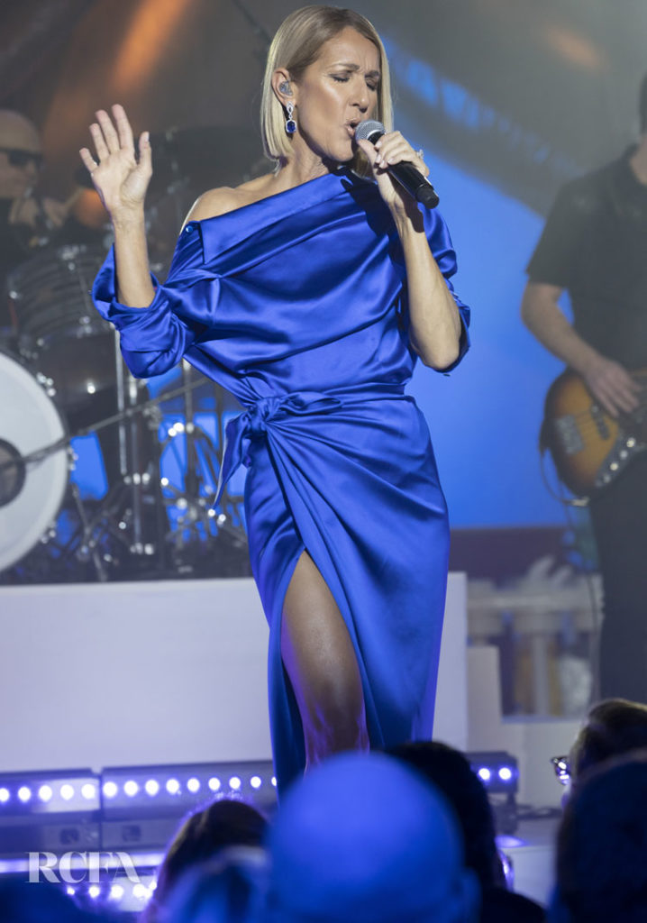 Celine Dion Stuns In Electric Blue For The Macy's Thanksgiving Day Parade