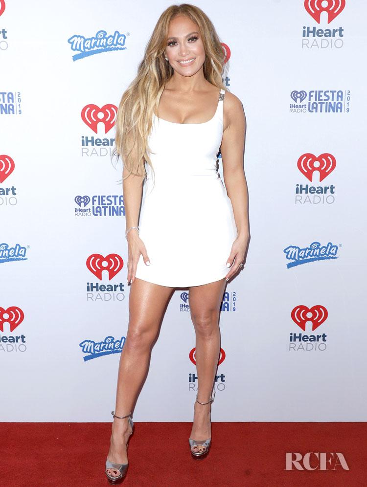 Get the Look: Jennifer Lopezs Miami ALC White Crop Top