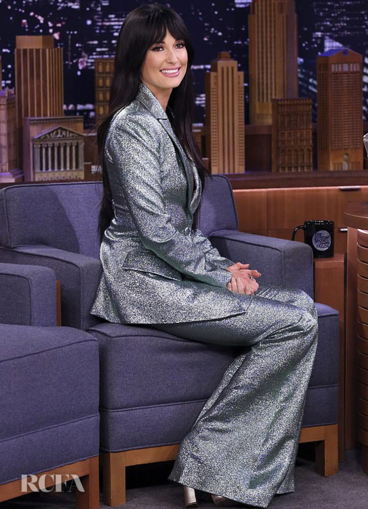 Kacey Musgraves' Shimmery Suit Sets A Festive Tone While Performing 'Glittery' on Jimmy Fallon