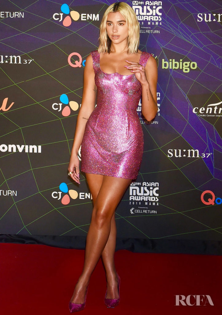 Dua Lipa Sparkles In Atelier Versace For The 2019 Mnet Asian Music Awards