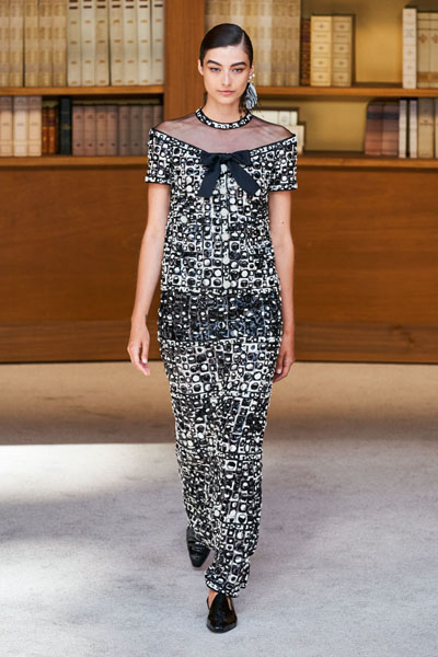 Marion Cotillard Wore Chanel Haute Couture To The Cesar