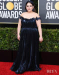 Beanie Feldstein In Oscar de la Renta - 2020 Golden Globe Awards