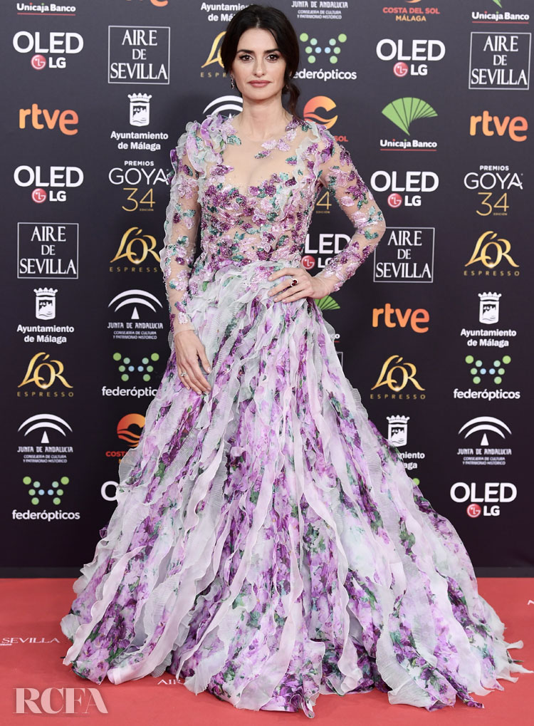 Penelope Cruz Wore Ralph & Russo Couture To The 202 Goya Awards