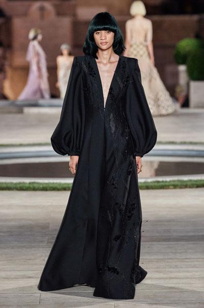 Zoey Deutch In Fendi Couture – 2020 Golden Globe Awards