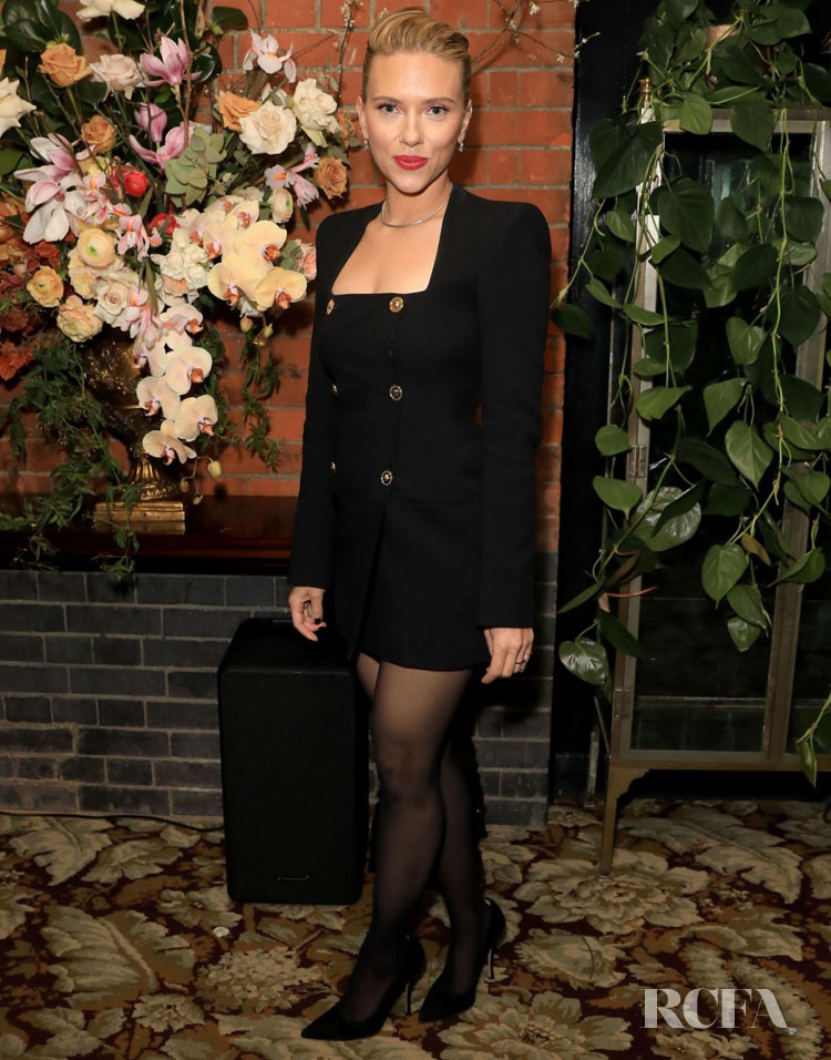 Scarlett Johansson Wore Versace To The British Vogue BAFTA After Party