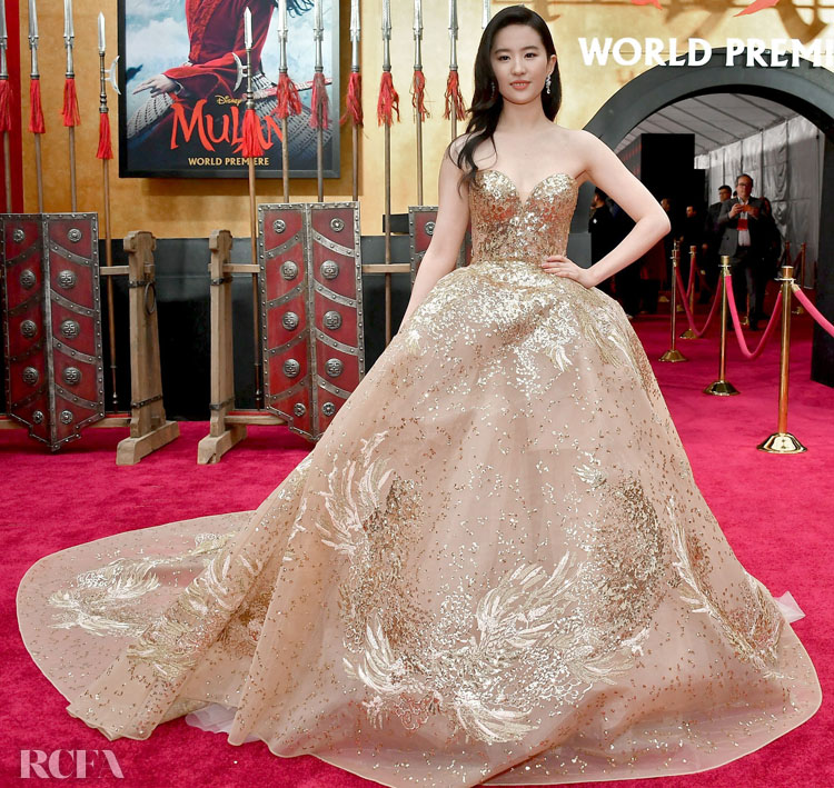 Liu Yifei  刘亦菲 Wore Elie Saab Haute Couture To The 'Mulan' World Premiere