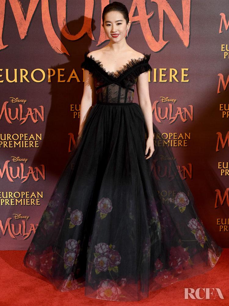 Liu Yifei 刘亦菲 Wore Elie Saab To The 'Mulan' London Premiere