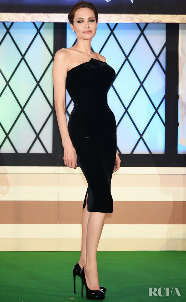 Angelina Jolie In Atelier Versace – 'Maleficent' Japan Premiere