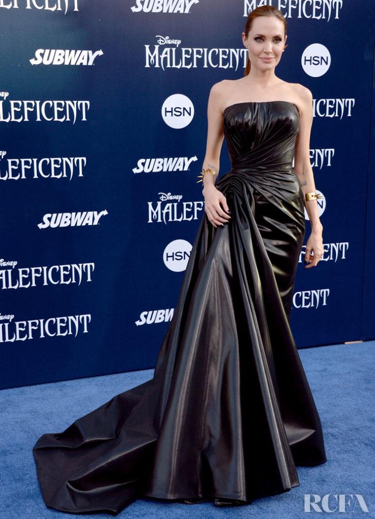 Angelina Jolie In Atelier Versace – 'Maleficent' World Premiere