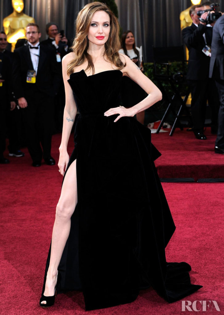 Angelina Jolie In Atelier Versace – 2012 Oscars