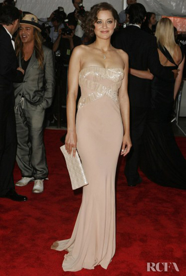 Marion Cotillard In Christian Dior - 2009 'The Model as Muse: Embodying Fashion' Met Gala