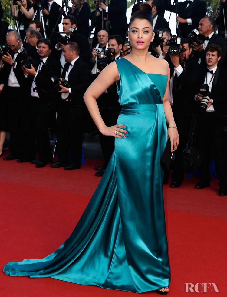 Aishwarya Rai In Gucci Première – 'Cleopatra' Cannes Film Festival Premiere