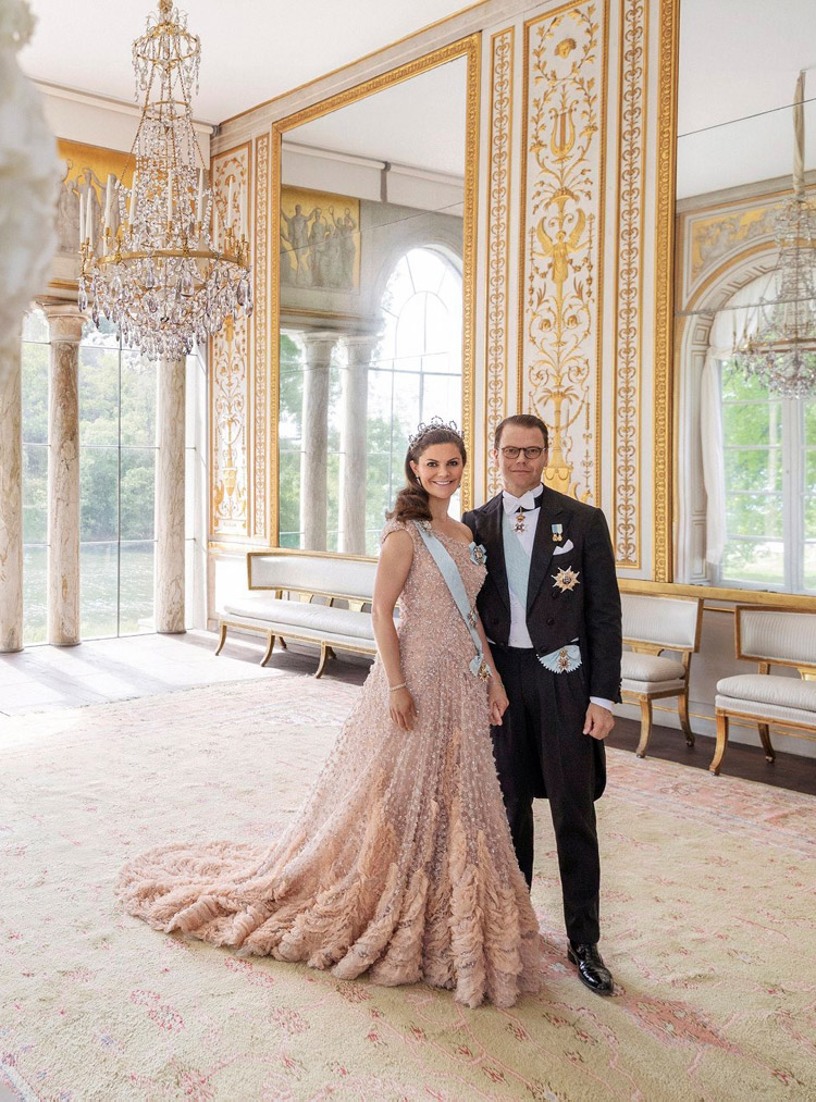 Crown Princess Victoria Celebrates Her 10th Wedding Anniversary In Elie Saab Haute Couture