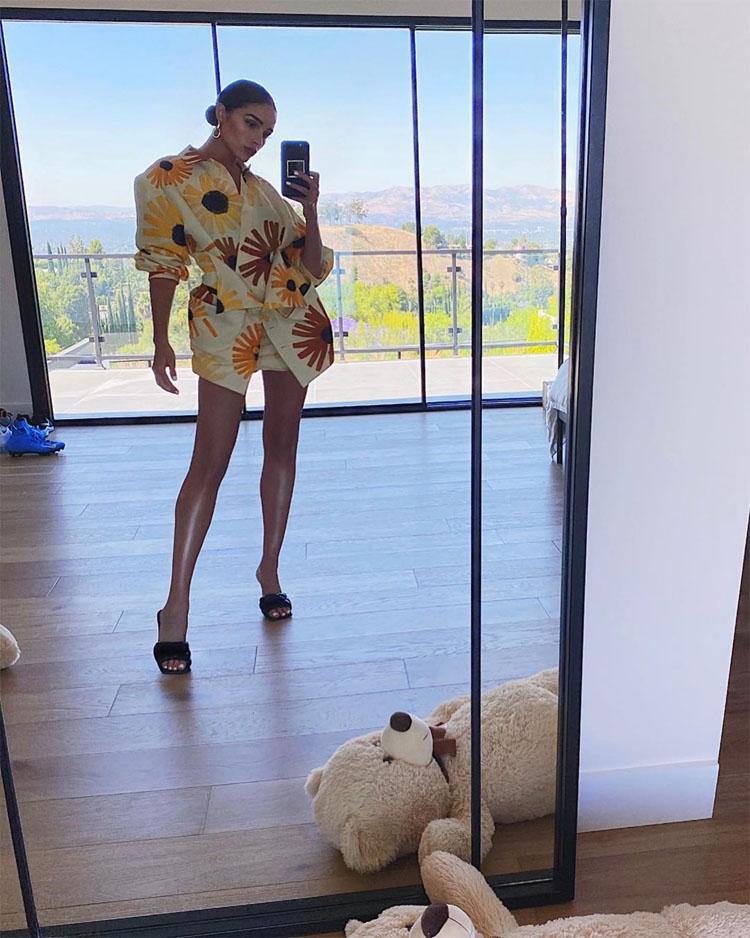 Olivia Culpo's Mediterranean Mode In Floral Jacquemus