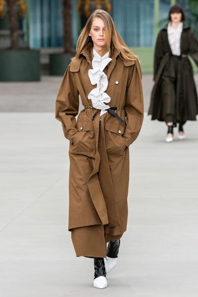Tilda Swinton Arrives For The 2020 Venice Film Festival Dressed In Chanel